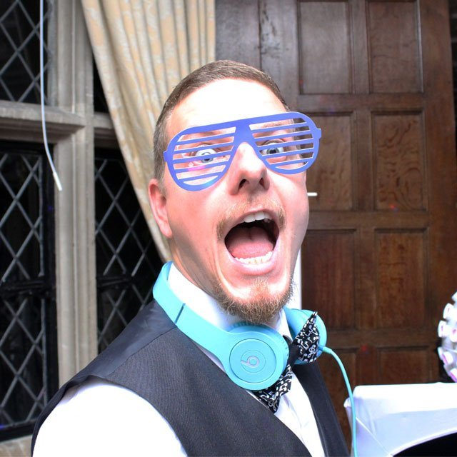 Ben Bell Wedding DJ DJ'ing