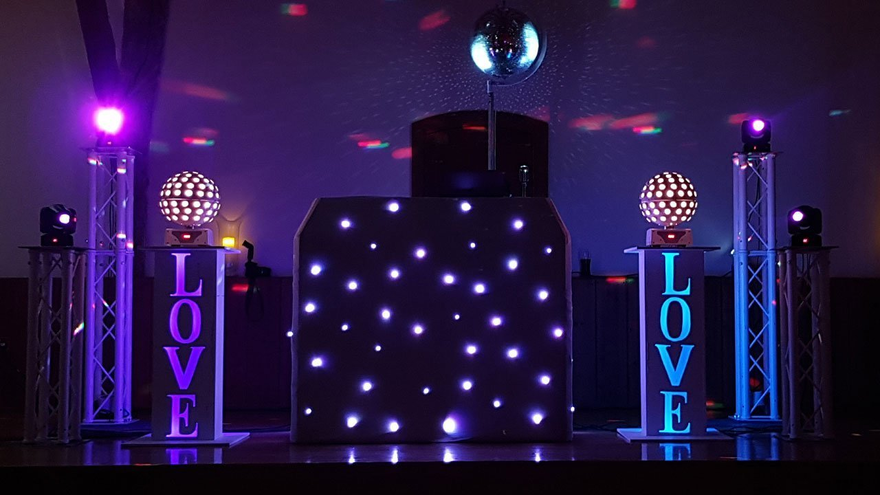 Winters Barn Wedding DJ Set Up